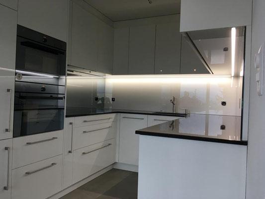Küchenrückwand - beige - glänzend