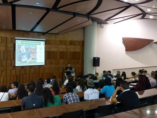Presentación de las Beca Biotropical en la UJAP.