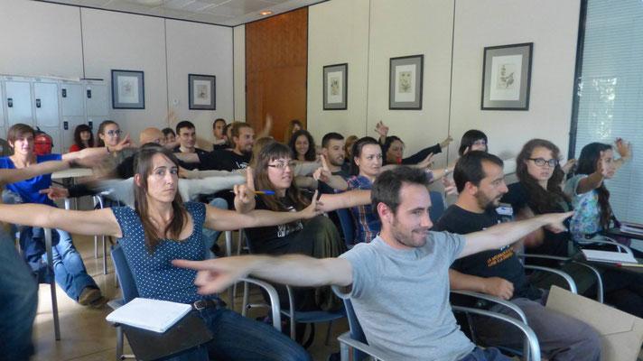 Clase de rastreo, aprendiendo de la mano del gran éxperto en carnívoros Wilson Moreno, de Colombia (Universitat de València, 2015)