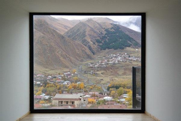 3. Вид на горы Казбек в Грузии