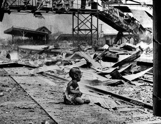 """Снимок """"Кровавая суббота"""" был сделан С. Х. Вонгом в 1937 году."""