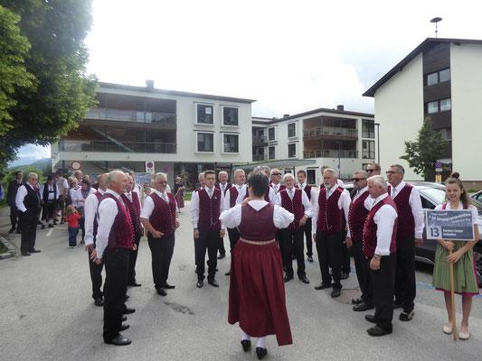 2. Tag: Aufstellen zum Umzug durch Kirchberg