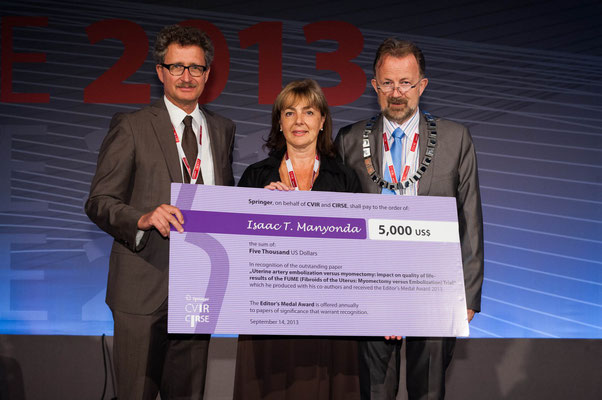Editors' Medal '13: From left to right: Prof. Vorwerk (Past CVIR EiC), Prof. Belli accepted the award on behalf of all the authors, Prof. Lee (CIRSE Past President)