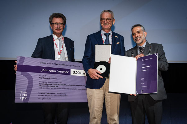 Editors' Medal '16: From left to right: Prof. Vorwerk (Past CVIR EiC), Prof. Lammer (awardee), Prof. Brountzos (CIRSE Past President)