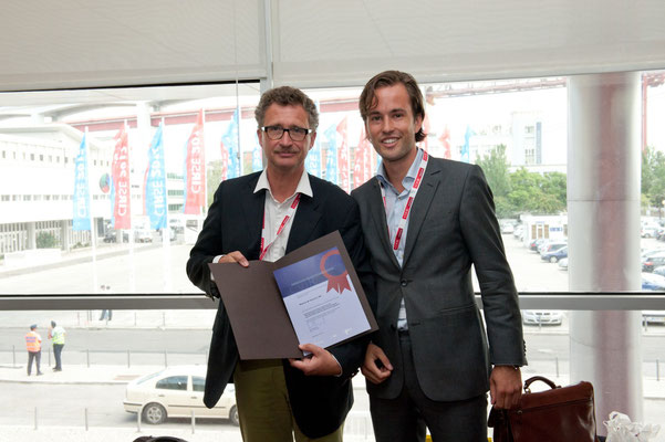Most Downloaded Article in 2011: From left to right: Prof. Vorwerk (Past CVIR EiC), Dr. Barentsz (awardee)