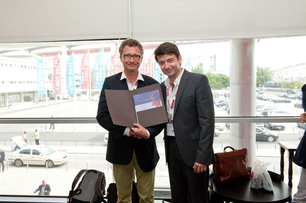 Most Cited Article in 2011: From left to right: Prof. Vorwerk (Past CVIR EiC), Dr. Pech (awardee)