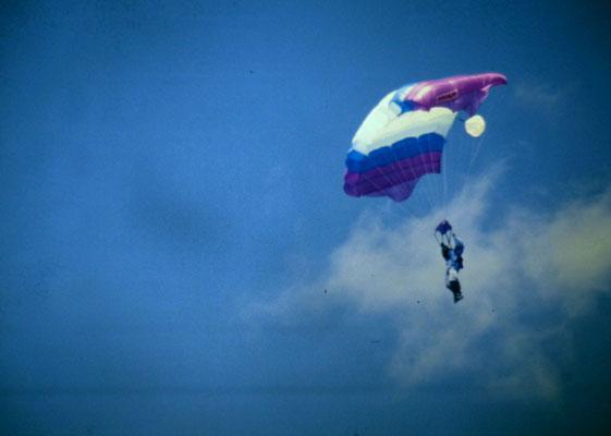 Fallschirmspringer - Fallschirm-Sportgruppe Mendig
