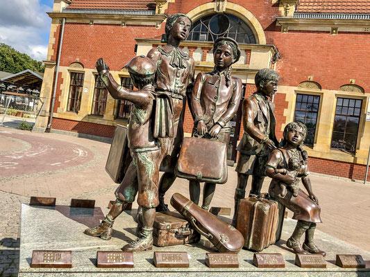 Denkmal der jüdichen Kinder, die auf Grund der Nazi Verfolgung,  ohne Eltern nach England ausgeschifft wurden