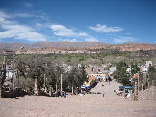Humahuaca (pour nous rendre dans cette ville, nous avans coupé le tropique du Capricorne vers Huacalera)