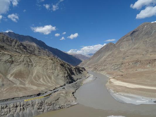 Quand la rivière Zanskar se jette dans l'Indus