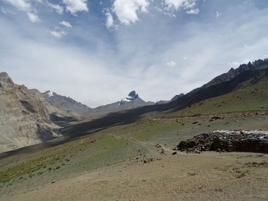 Au Col du Bumiktse La (4420m)