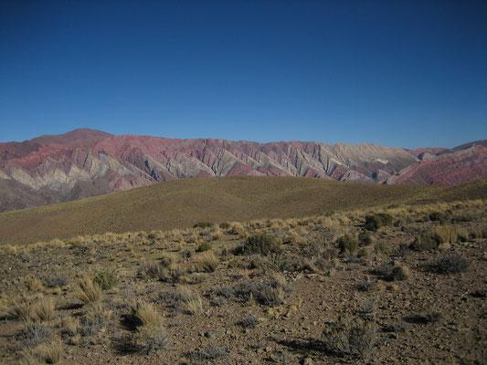 Arcos del Diablo. Trente-trois pulsations de grès et de schistes. Formation géologique appelée yacoraite