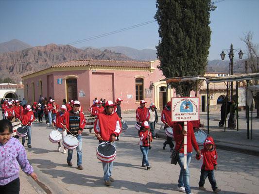 Retour à Tilcara, fête de Saint-François d'Assise. Pour mémoire, Tilcara fait partie de la Quebrada de Humahuaca inscrite au Patrimoine Culturel et Naturel de l'Humanité