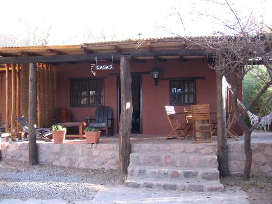 Notre hébergement à Tilcara (un bungalow avec barbecue, hamac, chaises longues, pfff...)