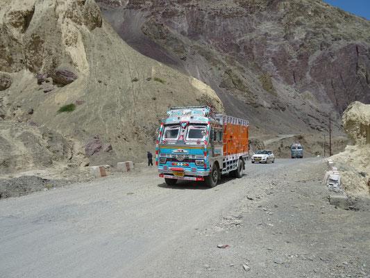 Les célèbres camions de la marque Tata