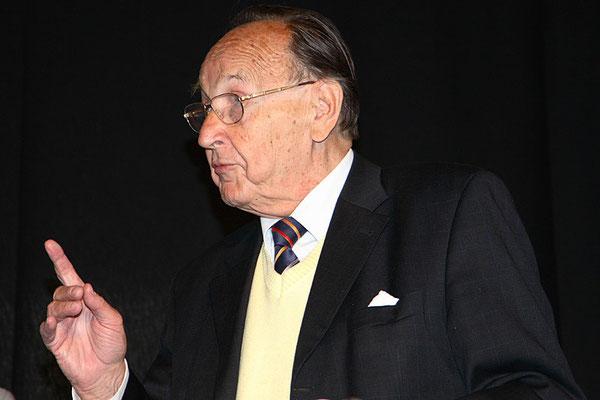 Hans-Dietrich Genscher,  † 31. März 2016