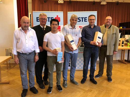 A-Turnier Peter Stadler, LAbg. Bürgermeister Christoph Kainz, FM Winston Cu Hor, Sieger Dr. Frank Belke, GM David Shengelia, Roman Schützl