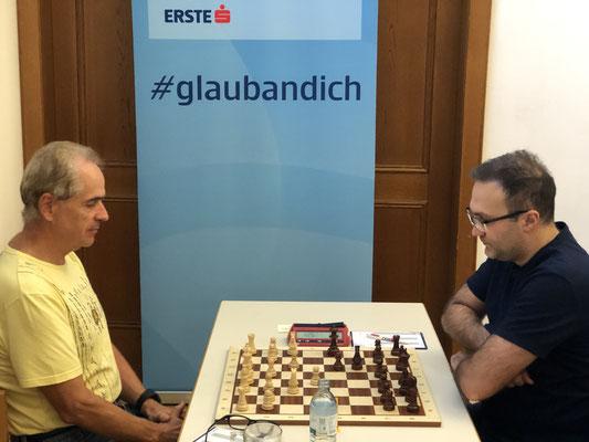 Der Badener Hans Perndl wehrt sich lange in Runde 2 gegen den Großmeister