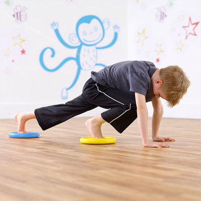 Pilates enfant avec flying foam disk