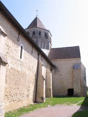 L'église romane de Saint Cydroine