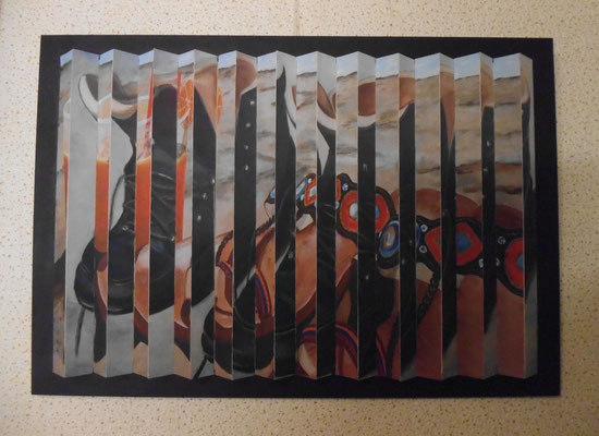 Riefelbild aus Strandschlappen und Wanderschuhen (38x55 cm)