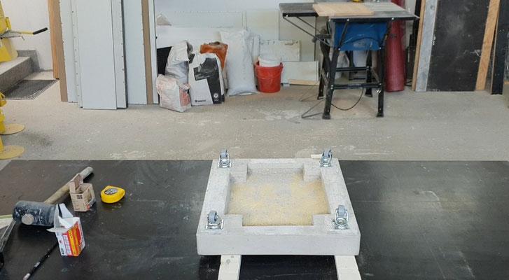 diy kaminholzregal selber bauen betonm bel einfach selber machen diy. Black Bedroom Furniture Sets. Home Design Ideas