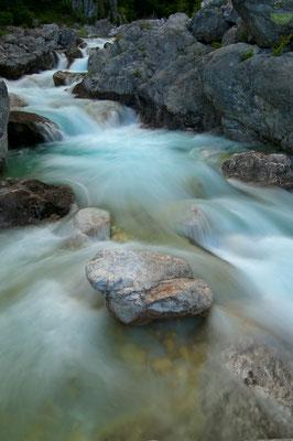 Die Boca mündet nach kurzem wilden Lauf in das Soča-Tal unterhalb von Bovec [UKR20180622_0216]