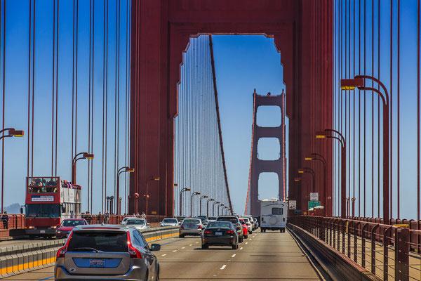 Fahrt über die Golden Gate Bridge San Francisco