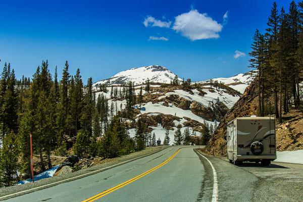 Yosemite Nationalpark Fahrt über den Tioga Pass