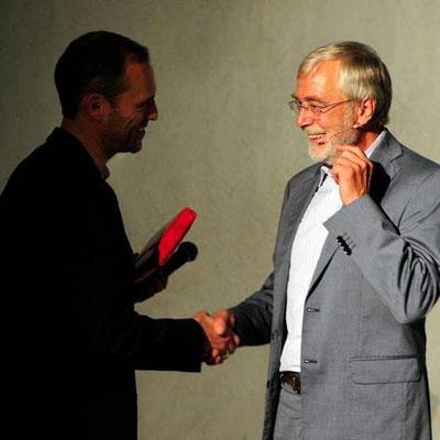 mit dem Göttinger Hirnforscher Gerald Hüther