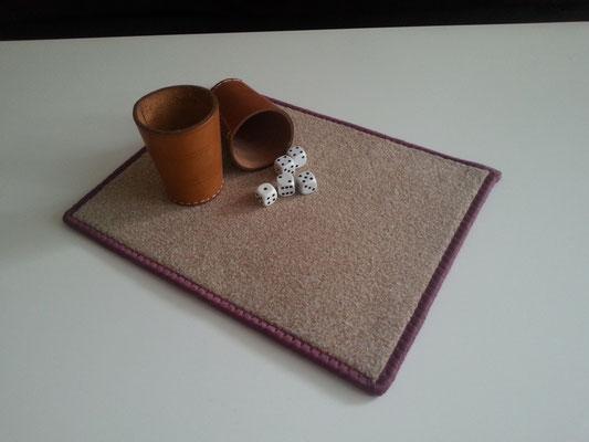 """Würfelunterlage mit """"Lärmschutzeffekt"""" hochwertiger Melangevelours-Teppich ca. 25 x 33 cm"""