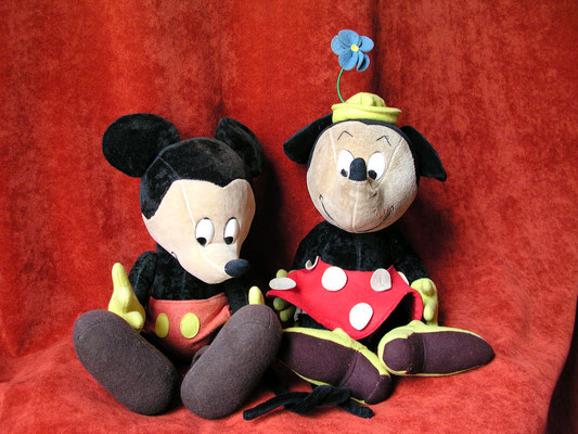Une des multiples versions de Mickey et Minnie