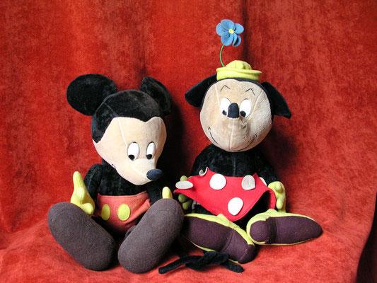 Une des multiples versions de Mickey et Minnie