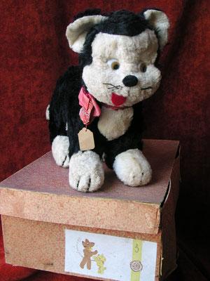 Figaro le chat et sa boite d'origine (Pinocchio - Disney)