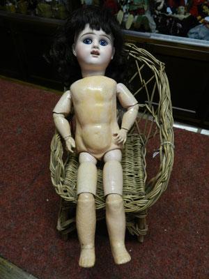 Petite poupée Etienne Denamur, yeux fixes, restaurée