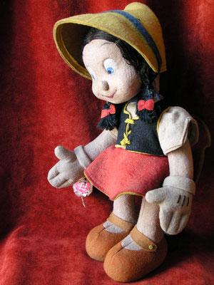 La poupée en feutre Bambina