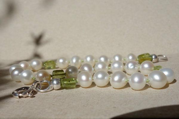 Perle mit Peridot