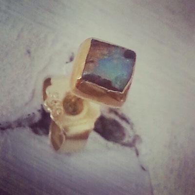 Opalohrstecker, Gold