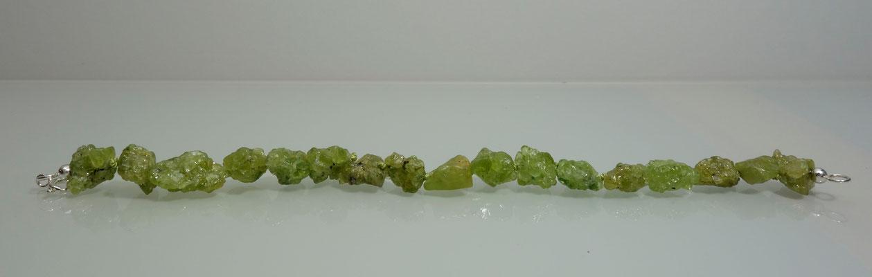 Peridotrohkristalle, Silberarmband