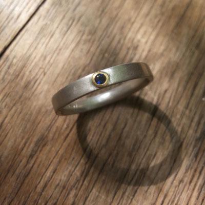 Silberring, blauer Stein