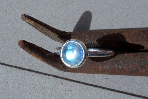 Mondstein, Silberring