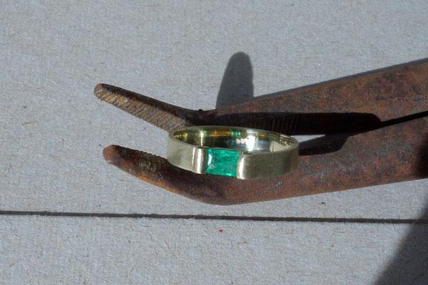 Smaragd, Goldring