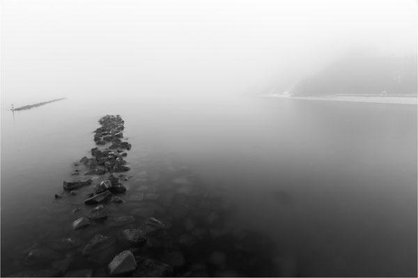 da hinten im Nebel