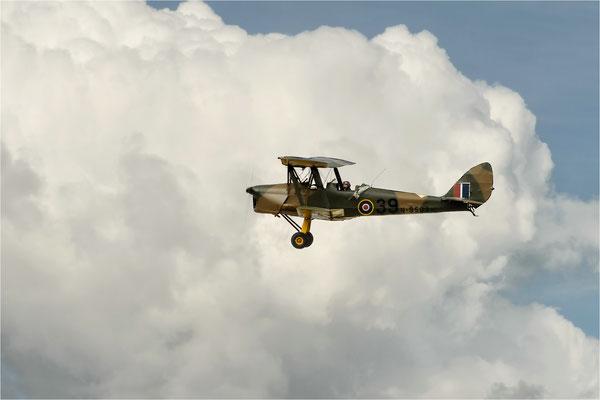 über den Wolken  (Tiger Moth)