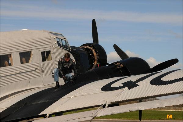 Ölstandskontrolle Ju-52