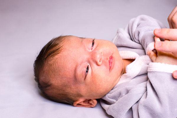 portrait enfant bébé baby nouveau-né photographe 44 49 85 pays de la loire loire-atlantique maine et loire vendée