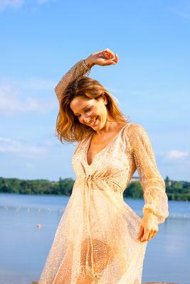 portrait femme danse colors sourire smile happy photographe angers pays de la loire loire-atlantique maine et loire  44 49