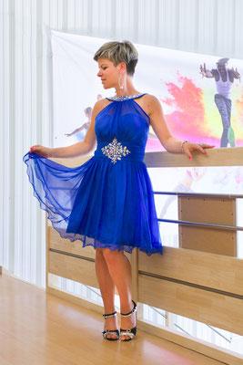 boutique danse des couleurs latine robe bleue prêt à porter vendeuse magasin guérande photographe pays de la loire loire-atlantique maine-et-loire vendée la roche sur yon nantes cholet montaigu 44 49 85