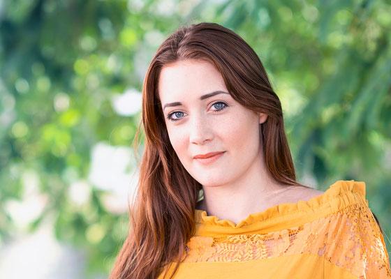 portrait femme fille girl lifestyle colors urbain natural nature photographe angers pays de la loire loire-atlantique maine et loire vendée 44 49 85