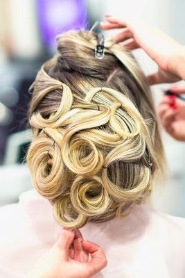 salon Anthony coiffure chignon making-of backstage préparatifs coiffeuse coiffeur mariage mariée miroir photographe professionnel pays-de-loire loire-atlantique maine-et-loire vendée nantes angers montaigu la-roche-sur-yon saint-nazaire 44 49 85
